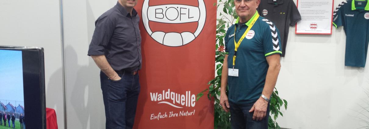 Heinz Pfaffenwimmer (rechts) mit Messedirektor Helmut Slezak (links)